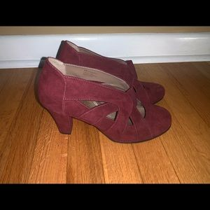 AEROSOLES Shoes - Wine red Aerosoles with a one and a half inch heel